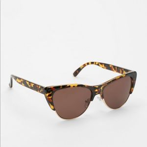 URBAN OUTFITTERS CAT ATTACK SUNNIES
